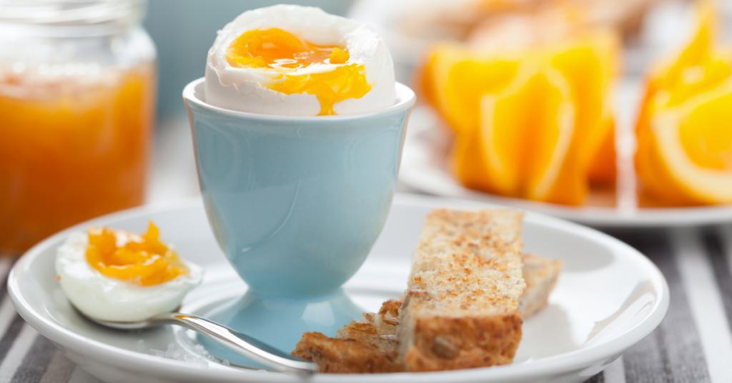 Яичная диета на неделю понедельник завтрак: 2 апельсина, 2 яйца.