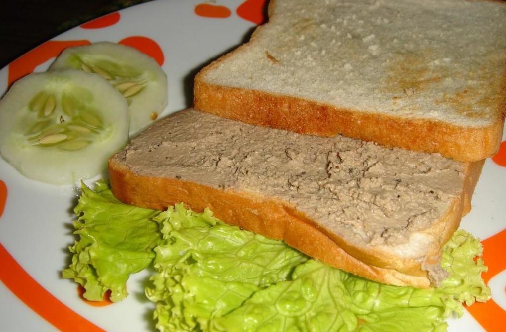 Бутерброд с домашним паштетом