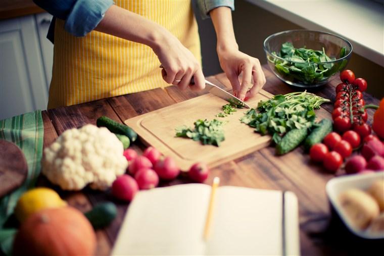 Как тушить правильно овощи при диете: особенности приготовления